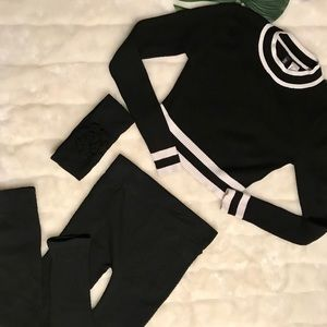 H&M Black and white crop sweater